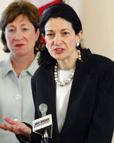 Senators Susan Collins (R-ME) and Olympia Snowe (R-ME)